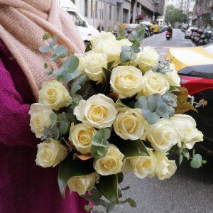 barcelona-white-roses