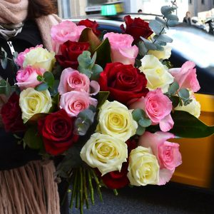 mixed-roses-delivery