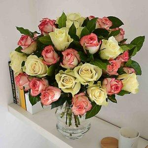 pink-white-roses-barcelona