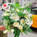 send-white-flowers-barcelona