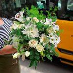white-flowers-arrangement