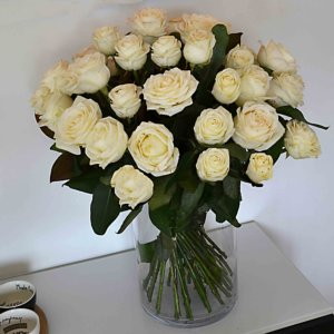 white-rose-bouquet-barcelona