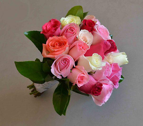 bouquet-bride-roses-cake-cheap