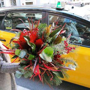 christmas-flower-arrangement