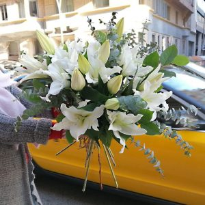 buy-white-lilies-barcelona