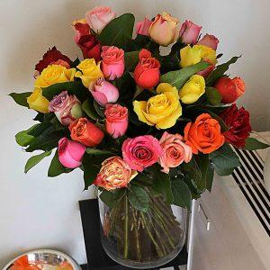ramo-rosas-coloridas