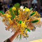 yellow-dry-flowers-bouquet