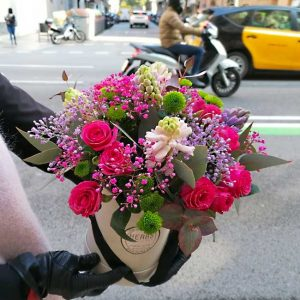 hat-box-for-flowers