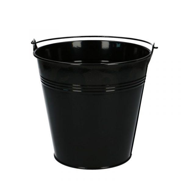 black-metal-pot